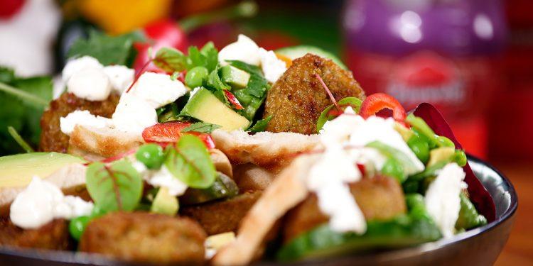 pita met falafel en looksaus van pauwels