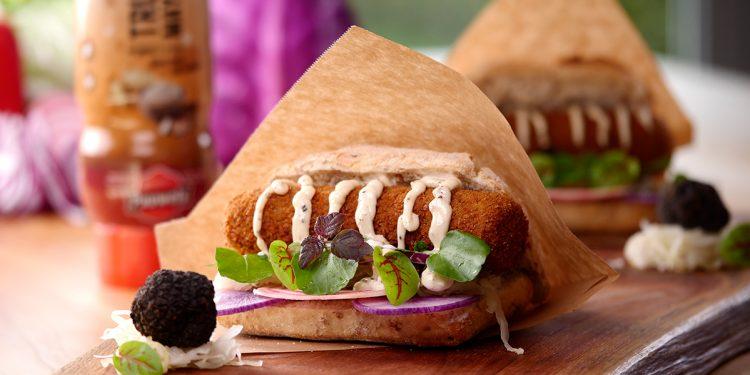Broodje Kroket met truffelmayonaise van Pauwels sauzen
