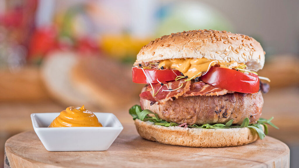 Hamburger Andalouse Featured